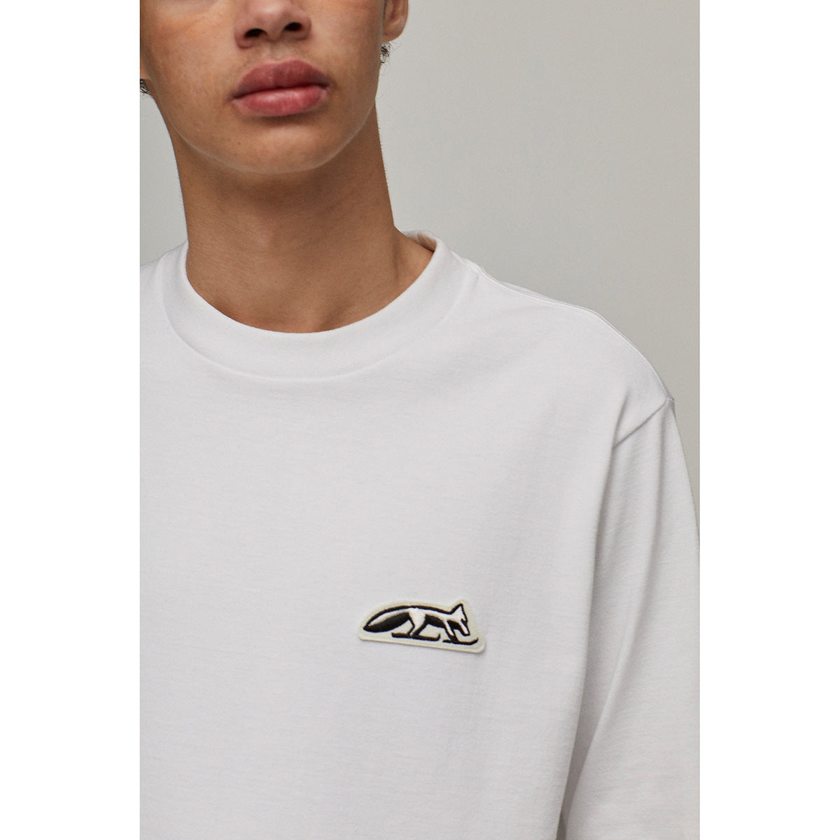 CREW NECK LONG SLEEVES