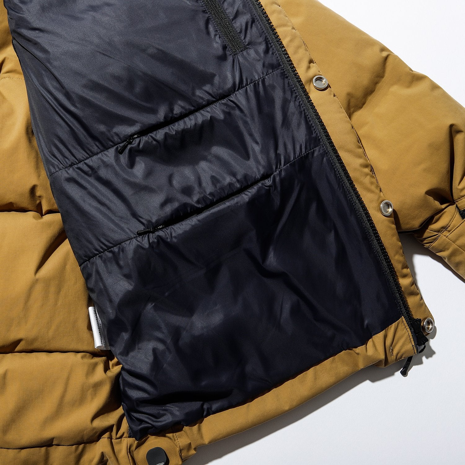 GORE-TEX INFINIUM W/S DOWN SHORT