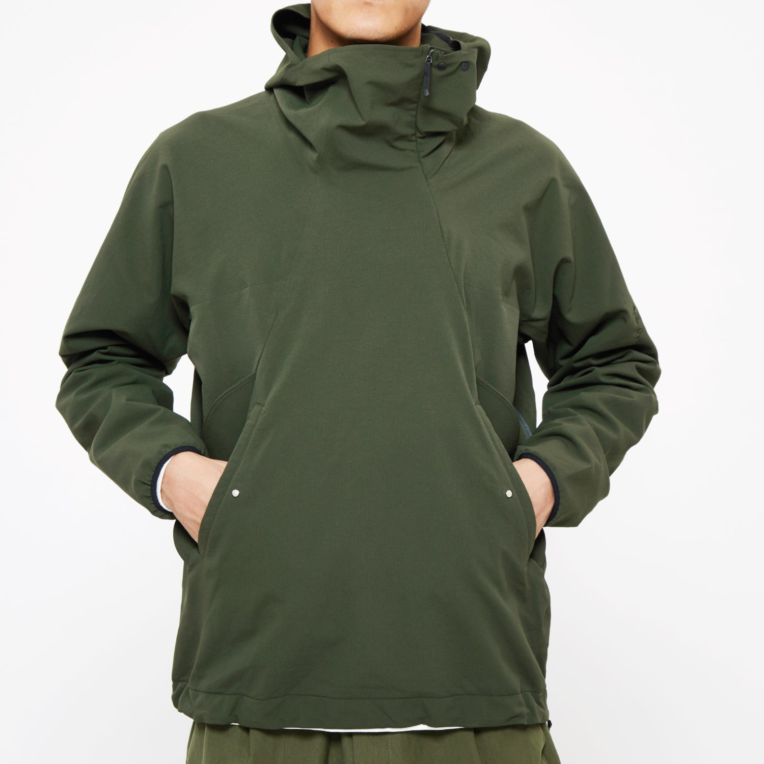 HOODED SPUR LIGHT PULLOVER BLACK