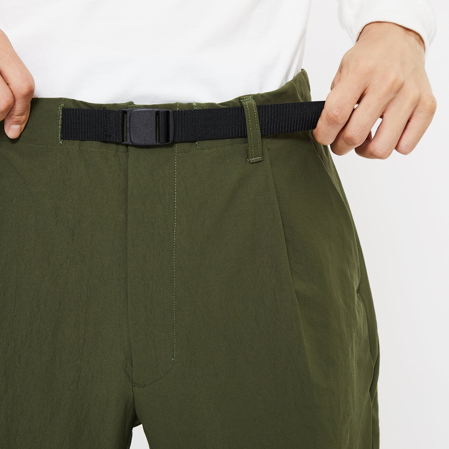 ONE TUCK TAPERED STRETCH TROUSERS OLIVE GREEN