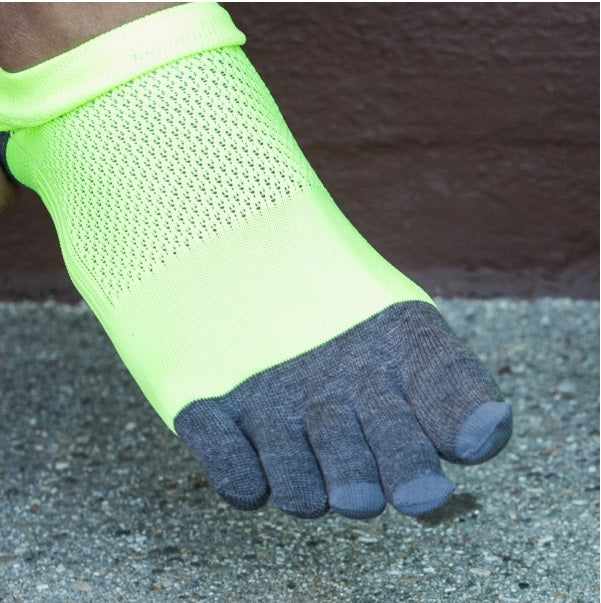 10 FINGER ARCH SUPPORT SHORT SOCKS BLACK