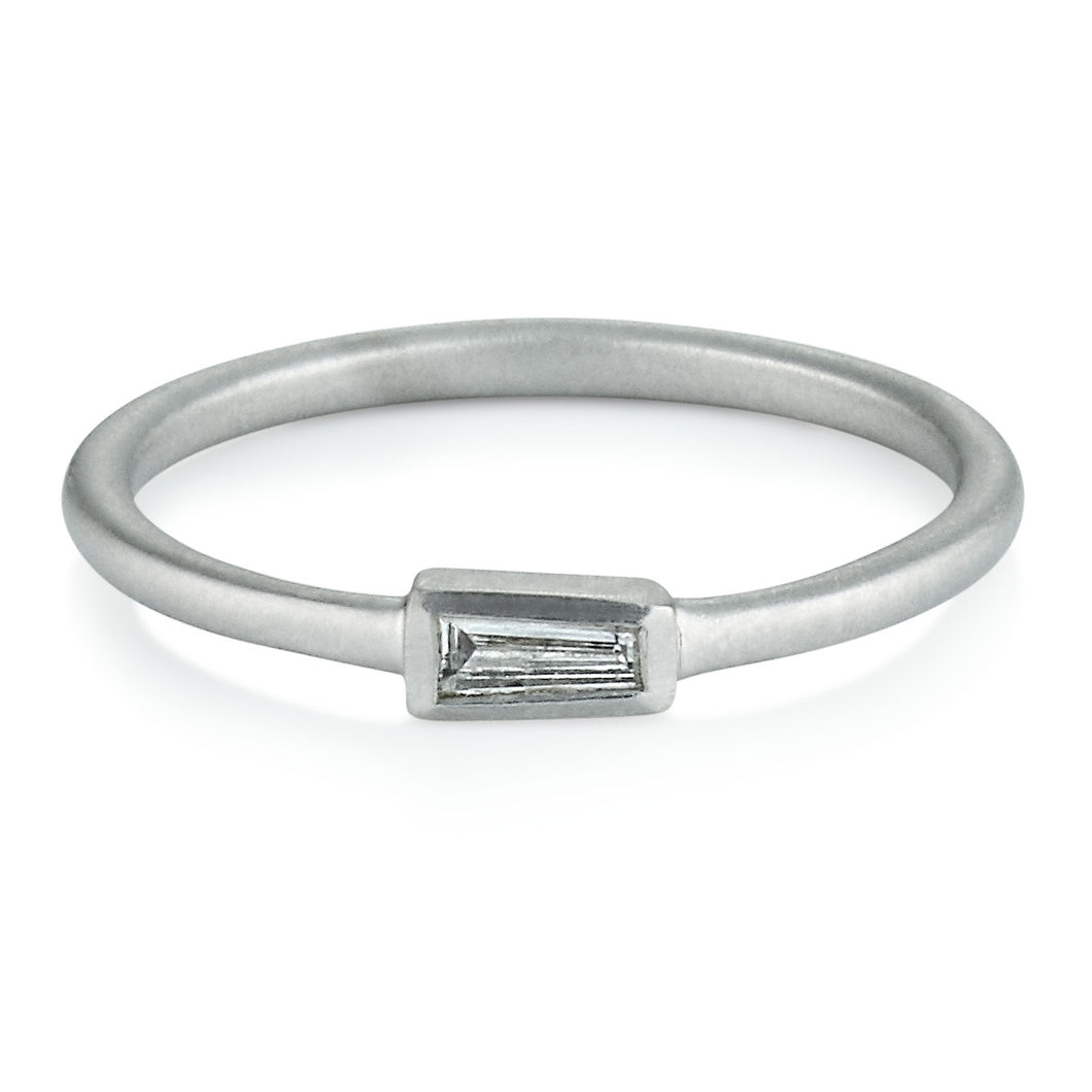 Diamond Horizontal Tapered Baguette Ring