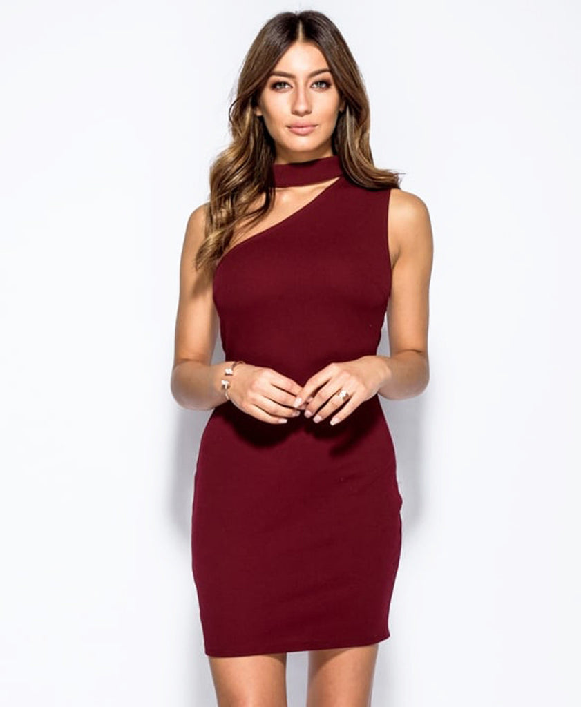 Bella London Wine sleeveless one shoulder dress with choker collar and bodycon fit. Front close up photo.