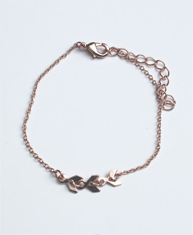Bella London Rose gold colour fashion chain bracelet with chevron shapes and adjustable length