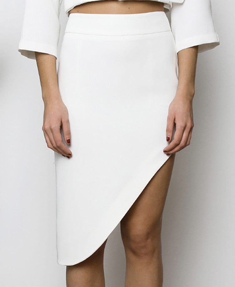 Bella London Najac White Asymmetric Skirt With Waistband And Side Slit. Front View.