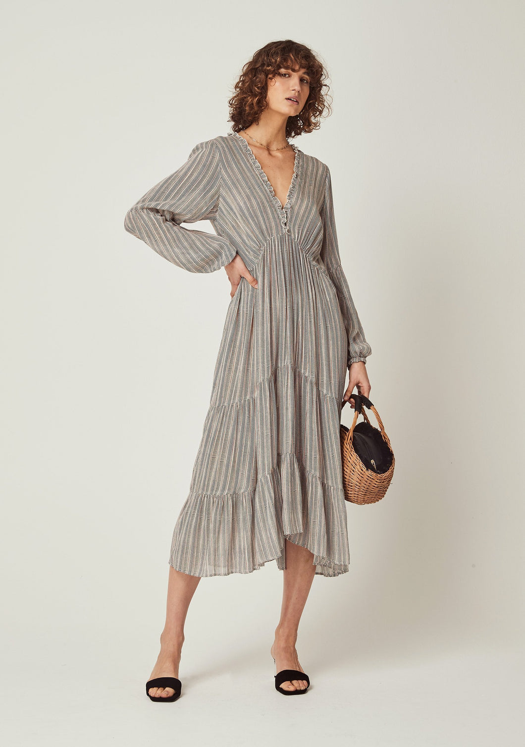 Maze Dunes Sleeved Midi Dress