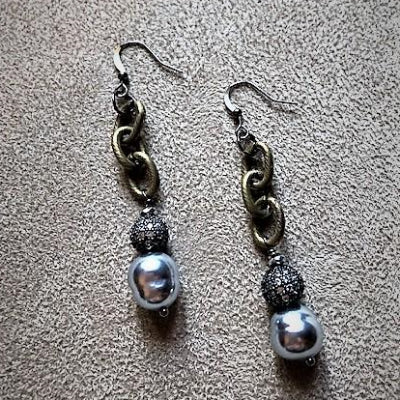 Grey Mabe Pearl and gold chain Earrings