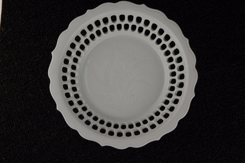 WHITE PORCELAIN TRANSLUCENT PLATE