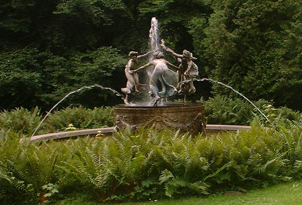 The original Nymphenbrunnen in Mecklenburg