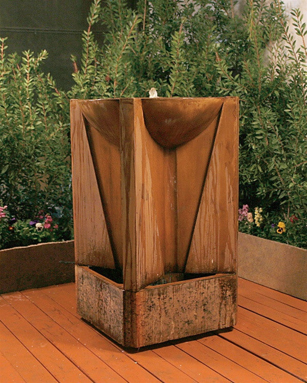 Trophy Outdoor Fountain   Soothing Walls