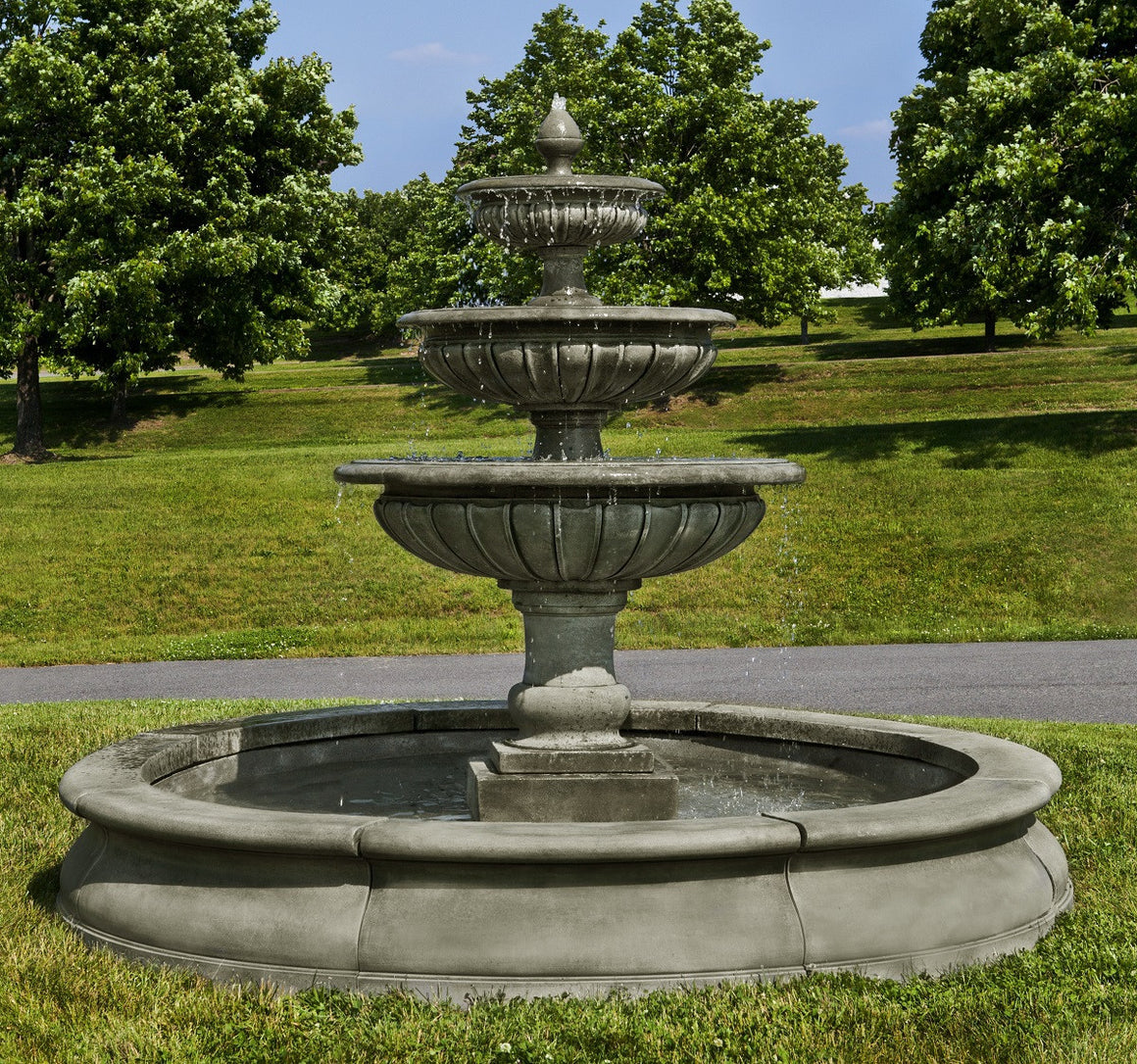 Estate Longvue Outdoor Water Fountain With Pool - Soothing Walls