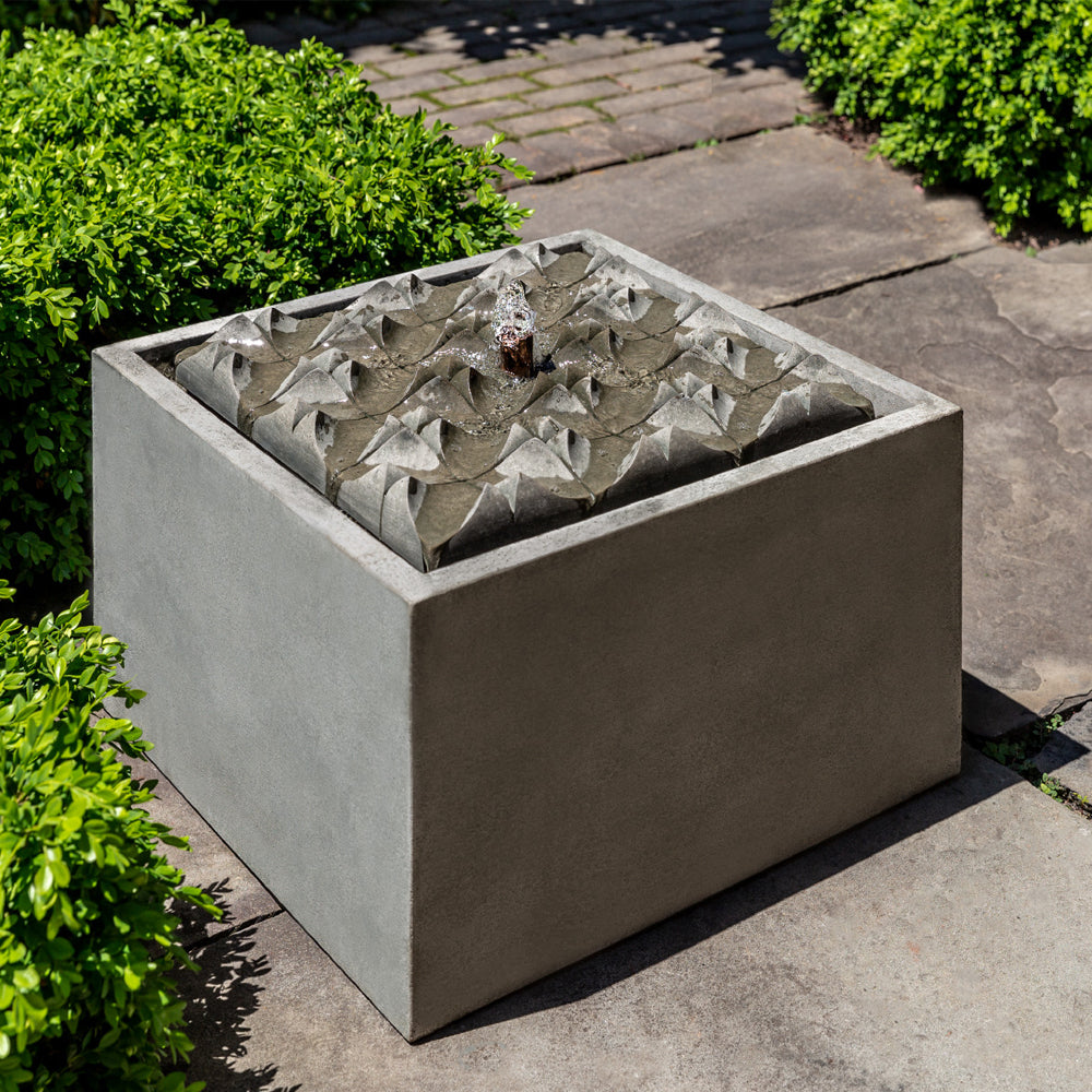 Square Waves Garden Fountain - Soothing Walls