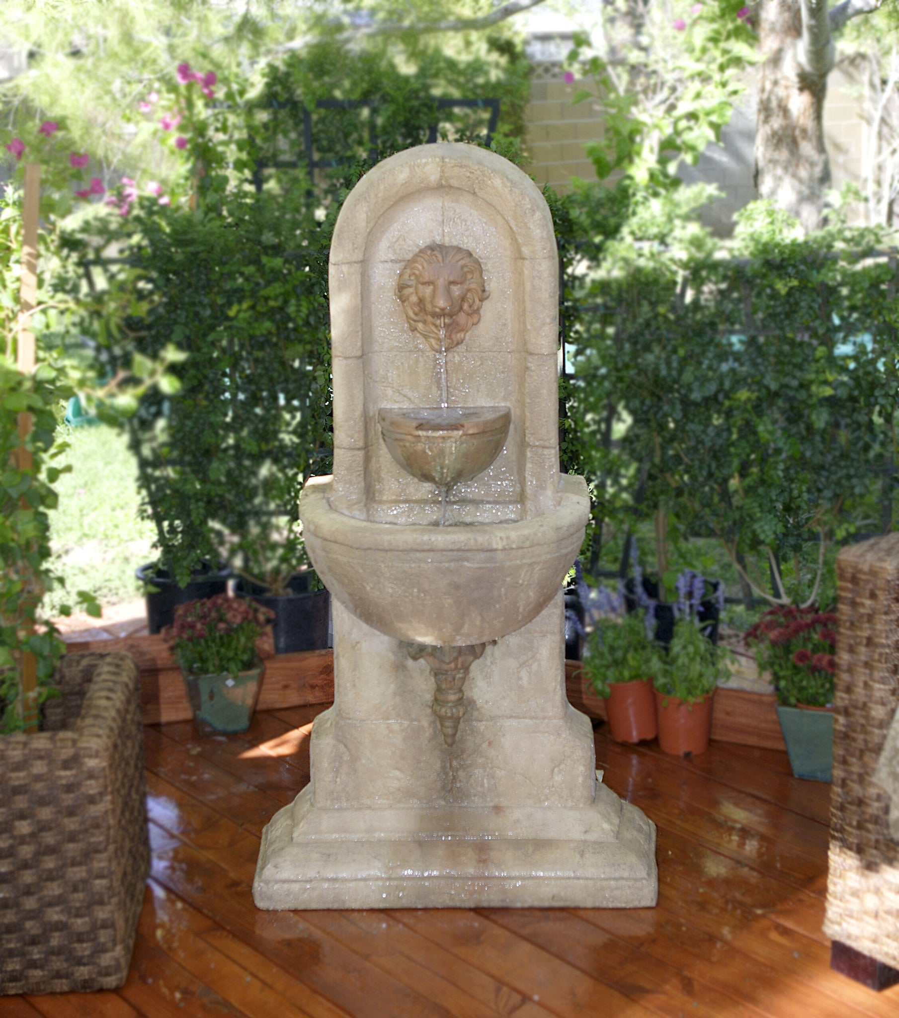 Lion Outdoor Fountain - Soothing Walls