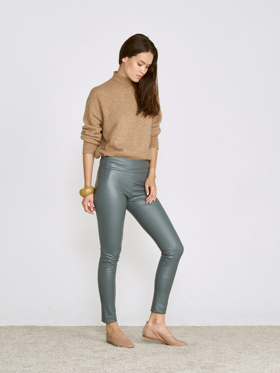NEW - OT LEGGINGS SLATE LEATHER