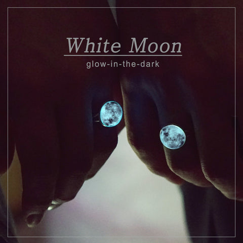 WHITE MOON Ring (glow in the dark)