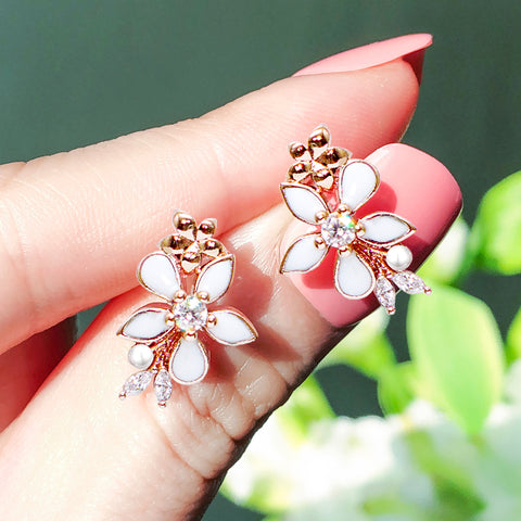 MINI LILY BLOSSOM Earring (silver post) - Wingbling Global
