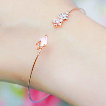 MUSE Bangle (rose quartz) - Wingbling Global