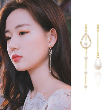 HEART FLUTTERING Earring (clip-on available, swarovski) - Wingbling Global