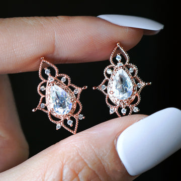 VICTORIA Moonstone Earring (natural rainbow moonstone)