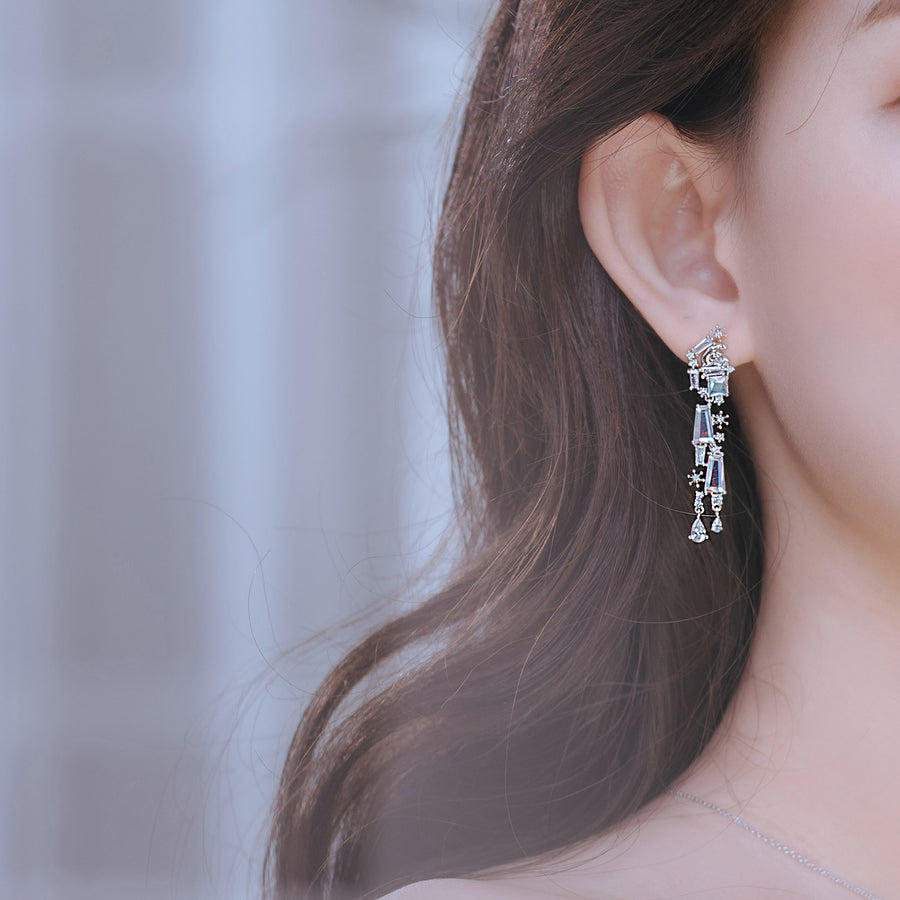 TEAR OF GLACIER 3-POLAR BEAR Earring