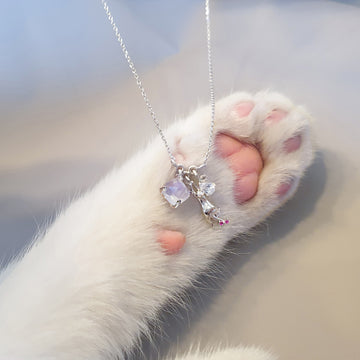 Dreaming Cat Necklace