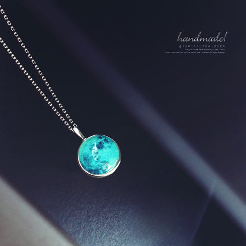 BLUE MOON Necklace (glow in the dark) - Wingbling Global