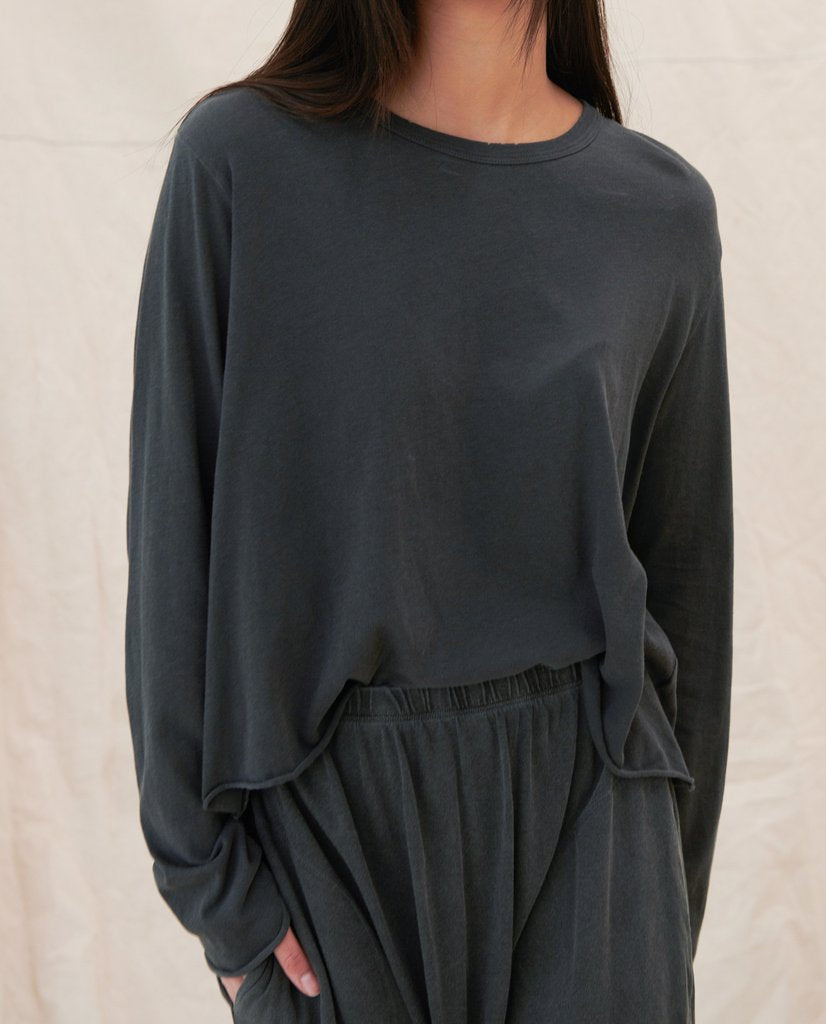 The Long Sleeve Crop Tee - Washed Black