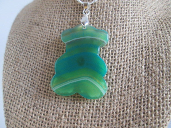 Beautiful Multi-Color Green Onyx Agate Bear Shaped Necklace Pendant - SpuzzosDeals