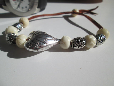 Surfer Bracelet Featuring a Large Silver Heart, Howlite Stone & Silver Beads on Leather - SpuzzosDeals