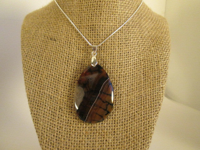 Stunning Natural Dragon Veins Agate Pendant - SpuzzosDeals
