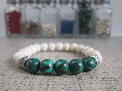 Beautiful Green Malachite and White Howlite Beaded Bracelet - SpuzzosDeals