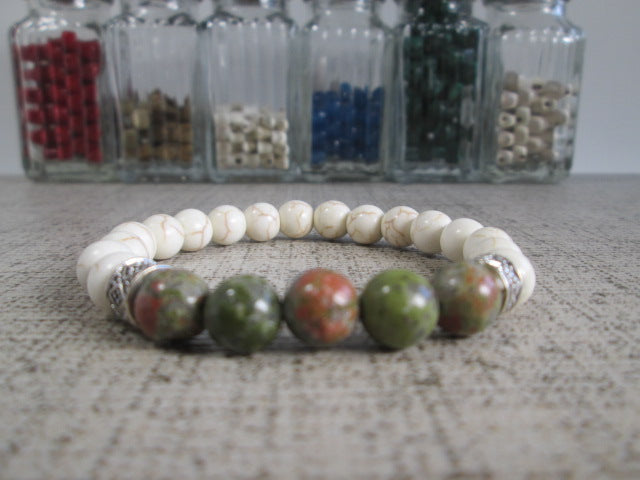 Beautiful Green Unakite and White Howlite Beaded Bracelet - SpuzzosDeals