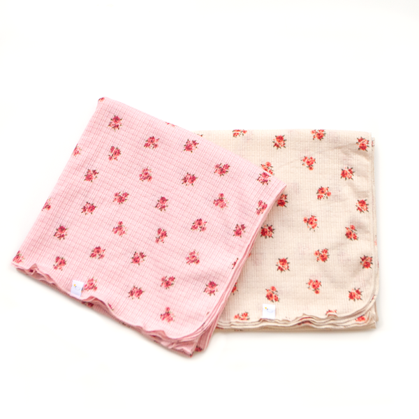 adore / pink  / swaddle