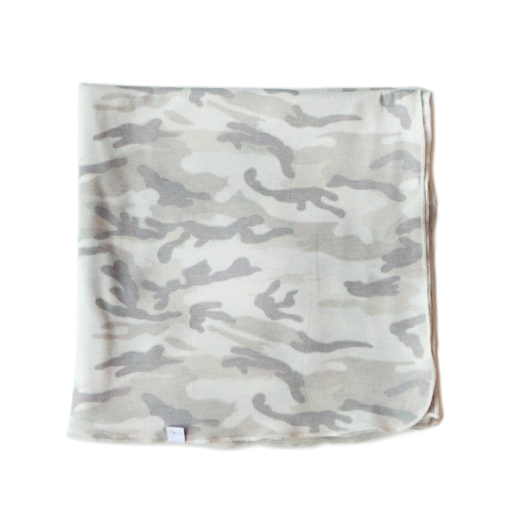 camo / swaddle / (cream/grey)