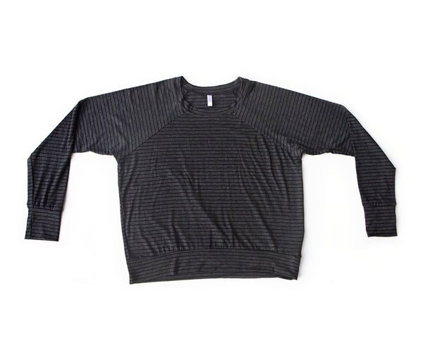 black licorice / pullover shirt