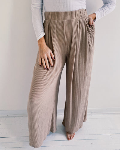 Ribbed Flowy Palazzo Pant
