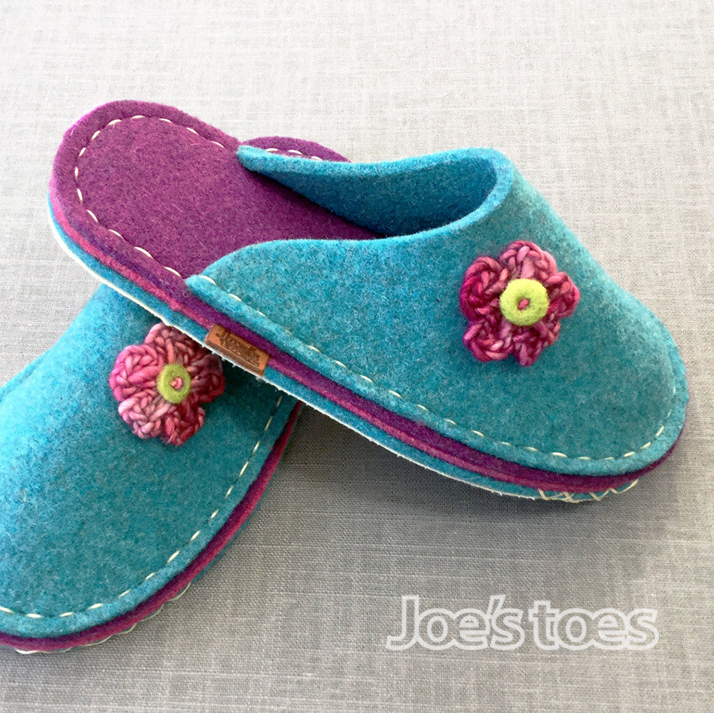 Joe's Toes flower trim slipper in thick wool felt