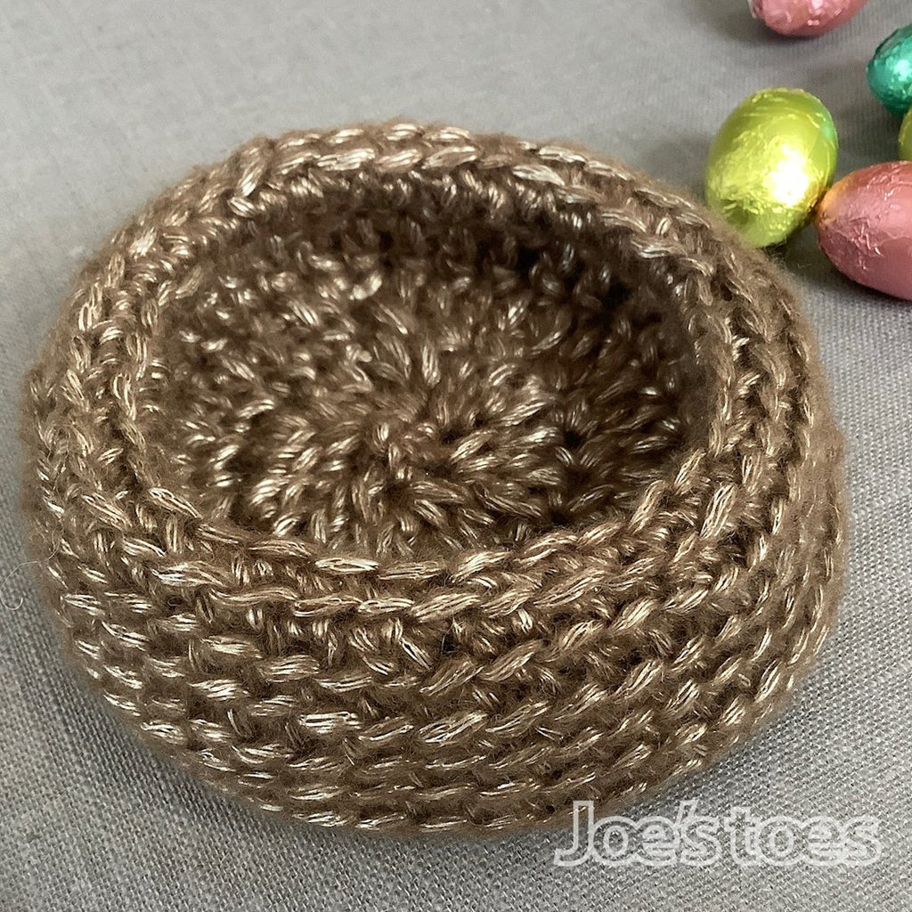 "Joe's Toes Crochet ""Nest"" Kit - perfect for Easter"