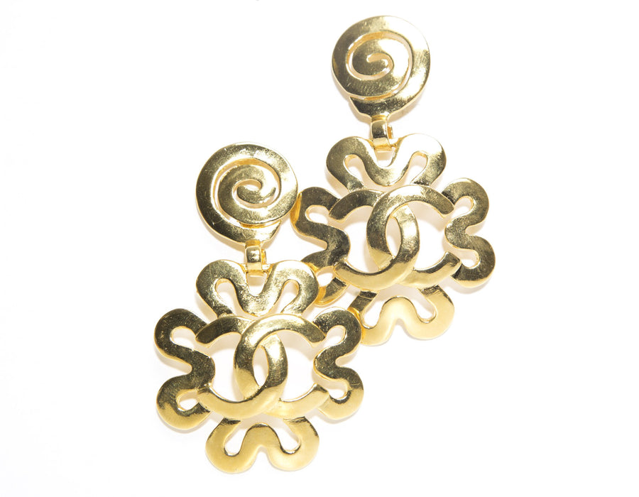 Chanel Gold Drop CC Flower Design Vintage Clip On Earrings