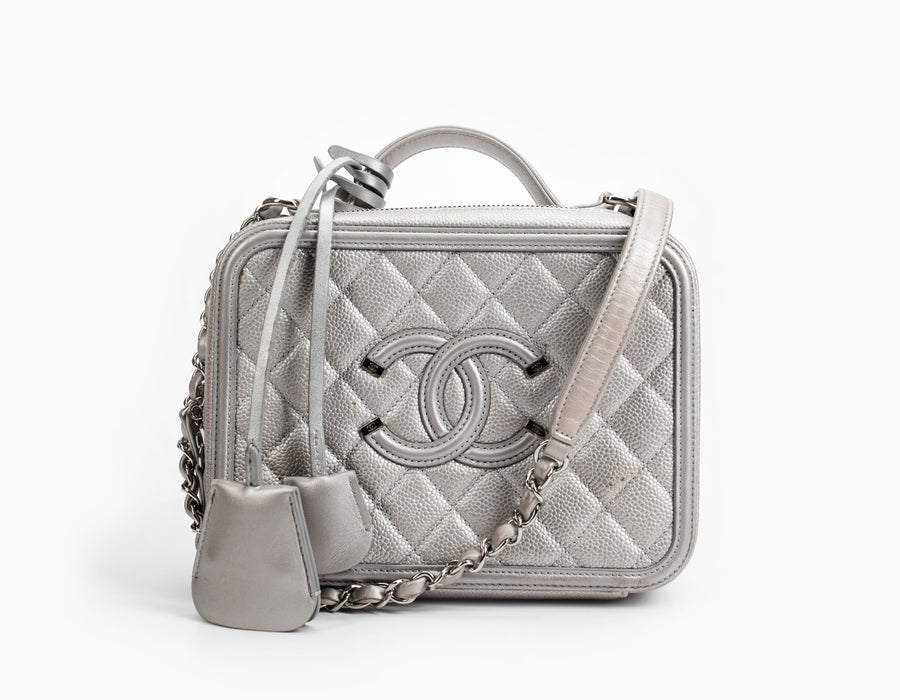 Chanel Silver Caviar 2016 Collection Filigree Medium Vanity Case