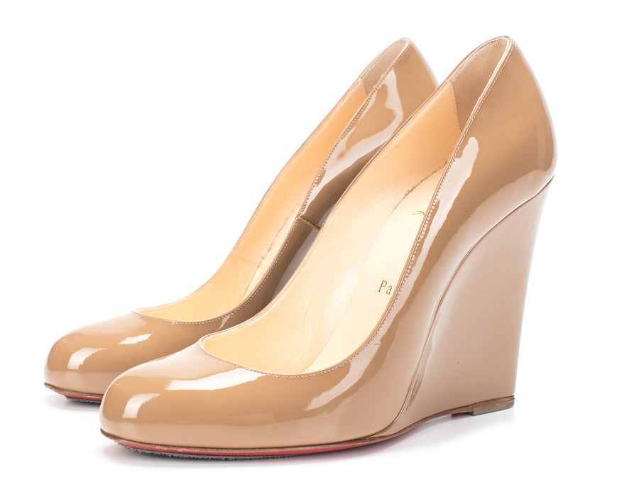 Christian Louboutin Tan Patent Leather Round Toe Wedges Sz 38.5
