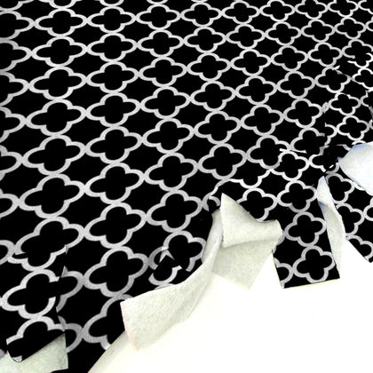 Quatrefoil Black Blanket Tie Kit