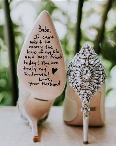 Love notes on the shoe