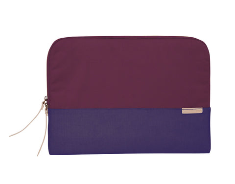 "STM GRACE SLEEVE 13.3"" - DARK PURPLE"