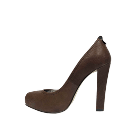 DV brown pumps