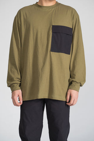 CREWNECK W/ POCKET - OLIVE