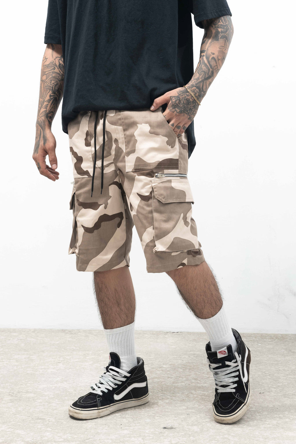 6 POCKETS CAMOU CARGO SHORT - KHAKI