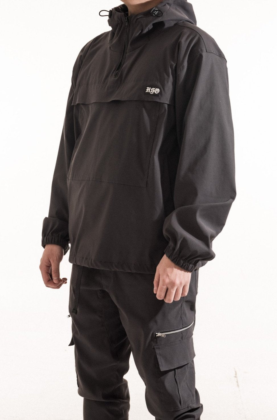 TECH WINDBREAKER JACKET - CHARCOAL