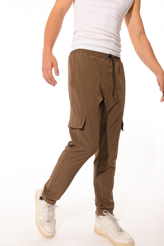 ESSENTIAL NYLON TRACK PANTS - BROWN