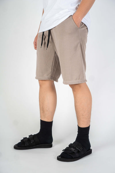 BASIC SHORT IN BEIGE